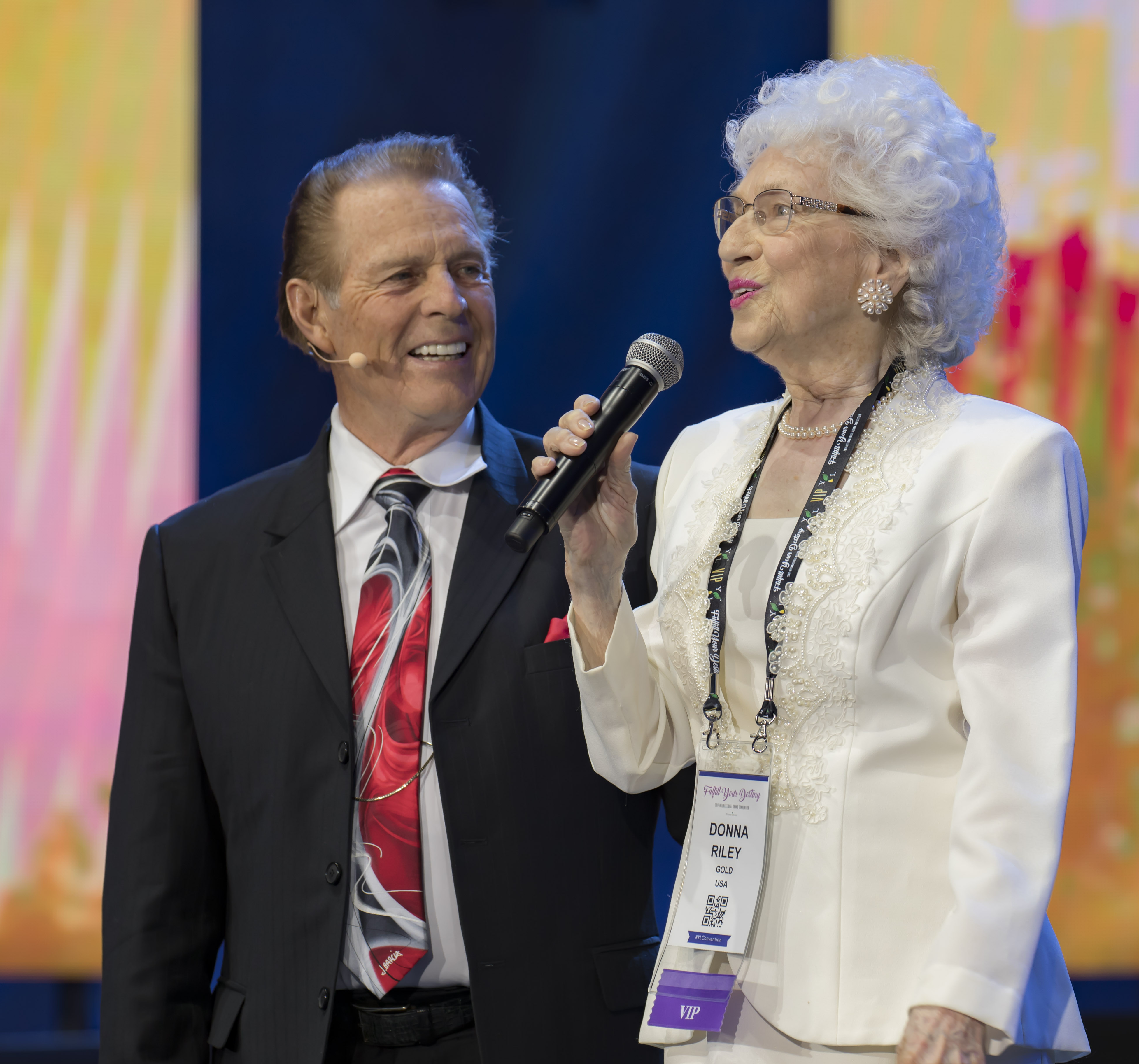 Gary and Donna, onstage at 2017 Convention